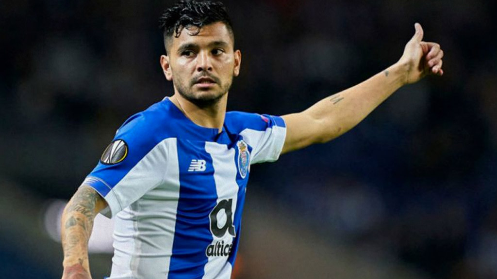 'Tecatito' Corona would have his days numbered with FC Porto